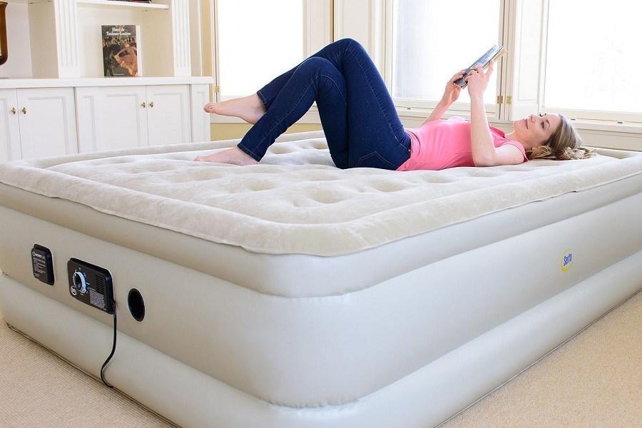 Кровать с водным матрасом
