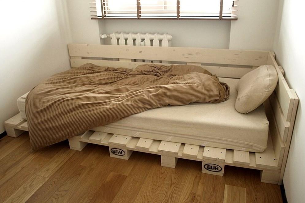 Низкая постель